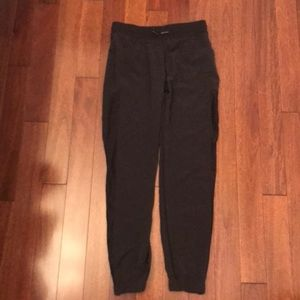Athletic pants (joggers)